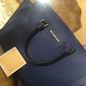 Navy Michael kors handbag!!